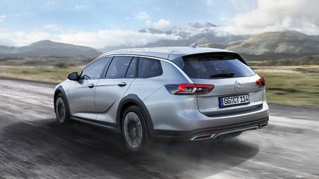 Nova Opel Insignia Country Tourer.